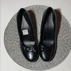 Woman's size 7.5 Black Heels